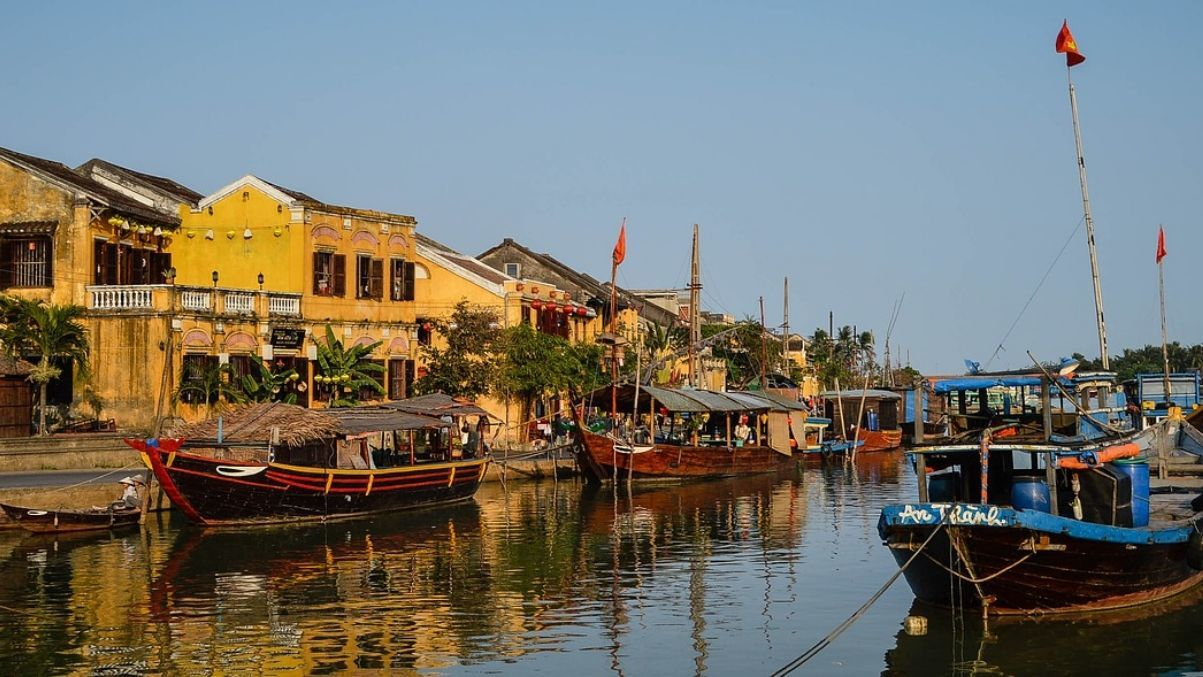 Hoi An ancient town, river and boats
