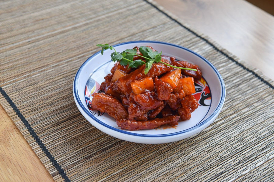sweet and sour pork ribs pineapples